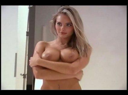 hayden panettiere gets naked